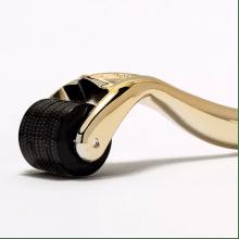 Мезороллер для лица Vikmas New безопасный дермароллер для обновления кожи в домашних условиях PREMIUM 540 иголок 0,5мм, Gold