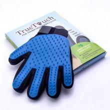 Перчатка для вычесывания шерсти домашних животных True Touch Черно-Синяя